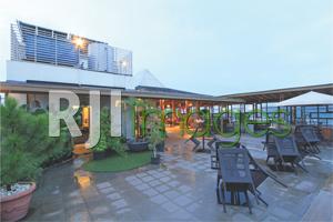 Area Agra Lounge dengan view gunung ungaran