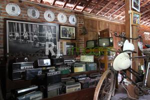 Koleksi radio kuno