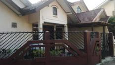 rumah bu henny griya timoho estate