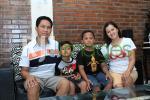 Ari Wardana bersama keluarga