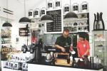 Coffee Bar modern bernuansa vintage