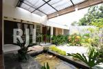 Inspirasi Minimalis di Rumah Tropis