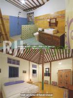 Kamar di rumah limasan dan kamar mandi