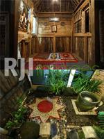 Mushola dan kamar mandi terbuka simbol Wilwatikta