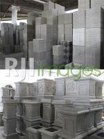 Pilihan Umpak motif pilar kotak