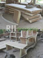 Potongan kayu yang siap dirakit dan Produk yang sudah siap difinishing