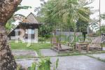 Area backyard dengan bangunan mushola yang unik
